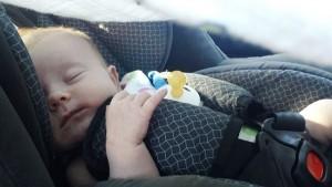 ser-pai-e-bebe-dormir-carro